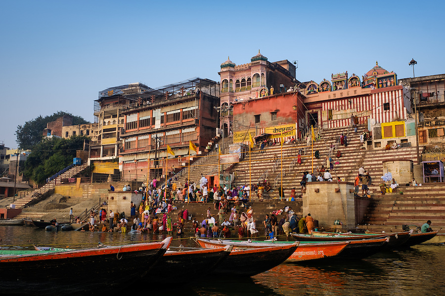 VARANASI, INDIA - CIRCA NOVEMBER 2016: Vijaynagram Ghat in the Ganges river early morning. The city of Varanasi is the spiritual capital of India, it is the holiest of the seven sacred cities in Hinduism and Jainism. The Ganges is also considered a sacred river. (Daniel Korzeniewski)