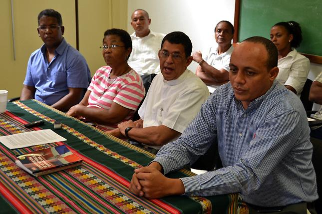 Más de 40 sacerdotes respaldan afectados por sentencia del TC