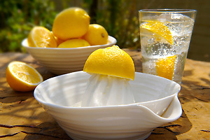 Home made lemonade outside (By food photographer Paul Williams. http://www.funkyfood.co.uk)