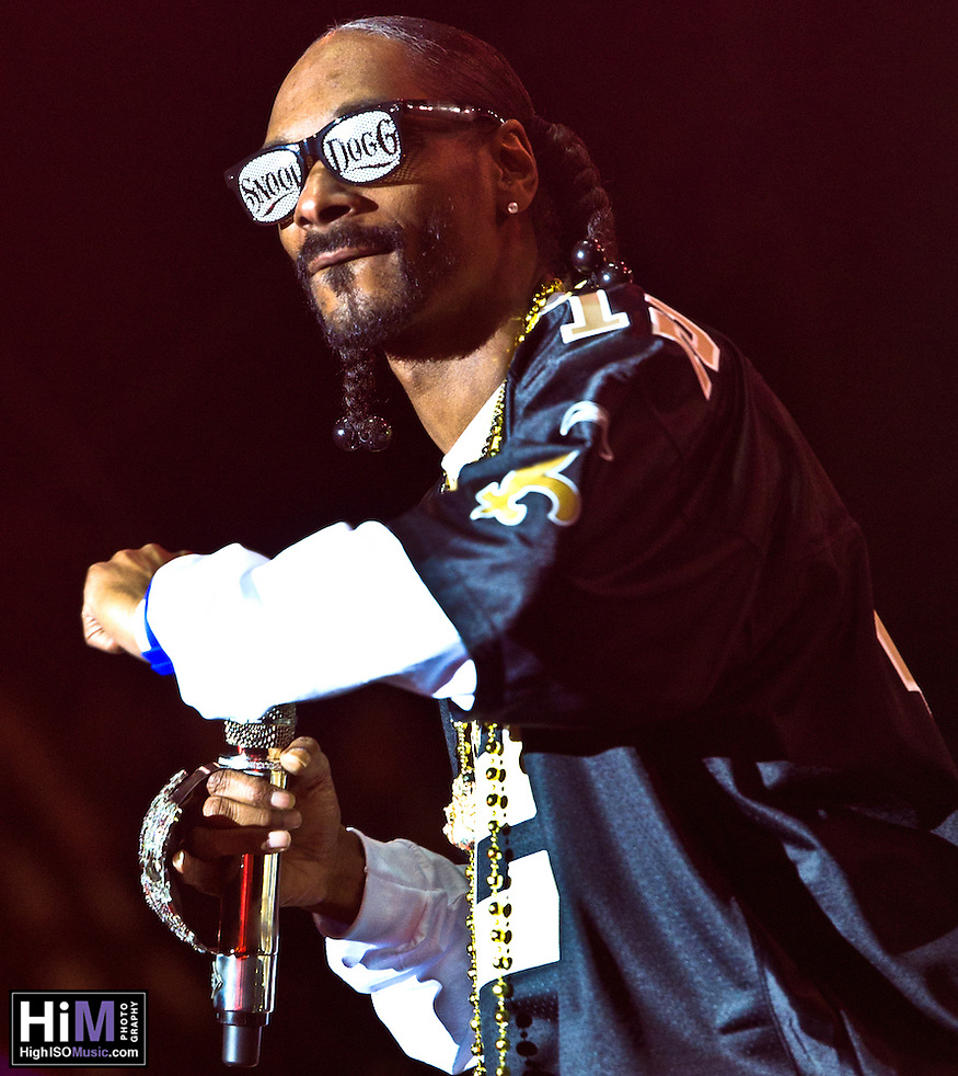 Snoop Dogg playing at the 2011 Voodoo Festival in New Orleans, LA. (Golden G. Richard III)