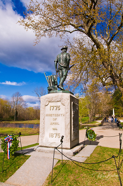 Minute Man statue at the Old North Bridge, Minute Man National Historic Park, Massachusetts (Russ Bishop/Russ Bishop Photography)