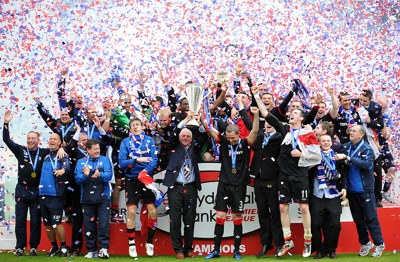 15TH MAY 2011, KILMARNOCK V RANGERS, RUGBY PARK, KILMARNOCK, WALTER SMITH LIFTS THS SPL TROPHY AS RANGERS ARE CROWNED CHAMPIONS 2010/11, ROB CASEY PHOTOGRAPHY. (ROB CASEY/ROB CASEY PHOTOGRAPHY)