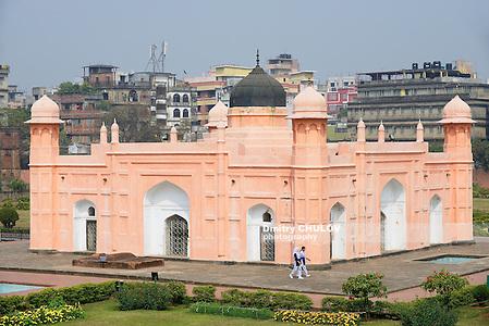DHAKA, BANGLADESH - FEBRUARY 22, 2014: Unidentified people visit mausoleum of Bibipari in Lalbagh fort in Dhaka, Bangladesh. (Dmitry Chulov)