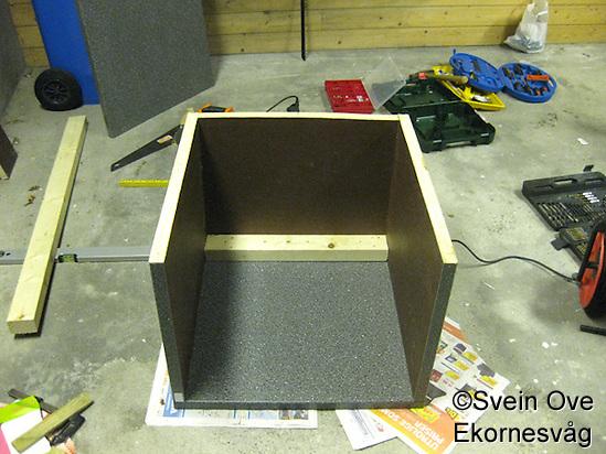 Montering av side- og bakplater. Foto: Svein Ove Ekornesvåg (Svein Ove Ekornesvåg)