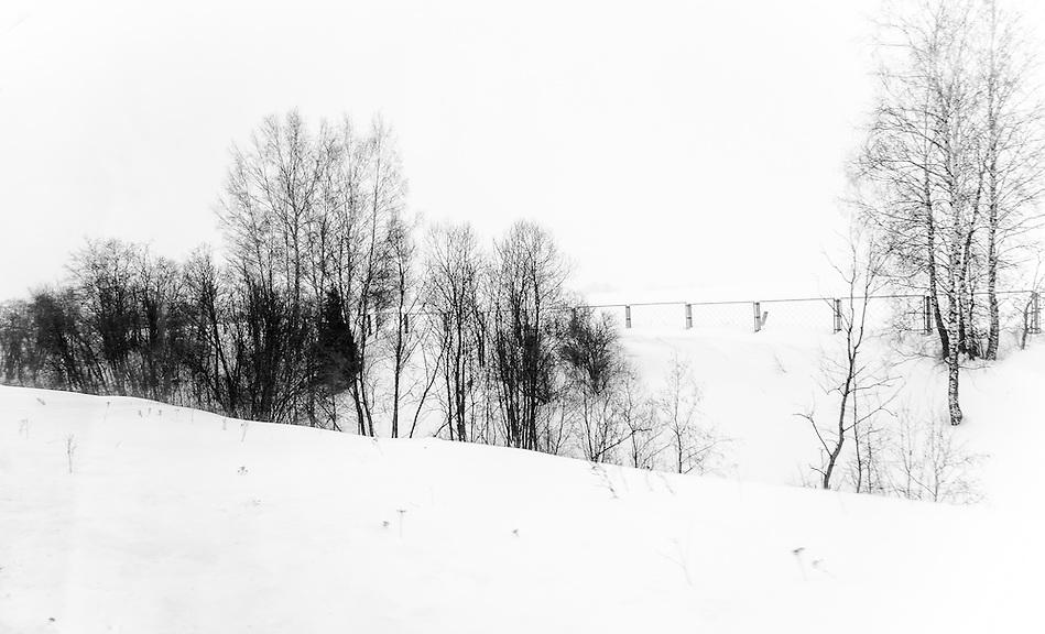 Snowed landscape in a rural region of Russia (Daniel Korzeniewski)