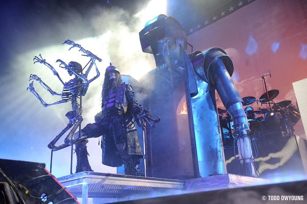 headlining the halloween hootenanny tour stop at the family arena rob zombie - Rob Zombie Halloween Music
