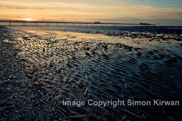 Southport Beach - Nikon D800 + Nikkor 24mm PC-E - Photo By Simon Kirwan
