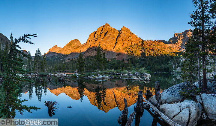 Sunrise at Green Lake in Hoover Wilderness of Humboldt-Toiyabe National Forest, Eastern Sierra Nevada, Mono County, California, USA. (© Tom Dempsey / PhotoSeek.com)
