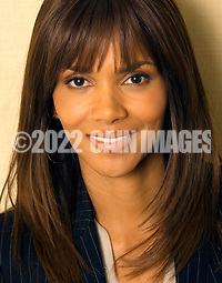 "PHILADELPHIA - MARCH 20: Academy Award winning actress Halle Berry poses for photos at the Four Seasons Hotel March 20, 2007 in Philadelphia, Pennsylvania. Berry was in Philadelphia for a showing of her new film ""Perfect Stranger."" (Photo by William Thomas Cain/Getty Images for the Boston Globe) (William Thomas Cain/Getty Images)"