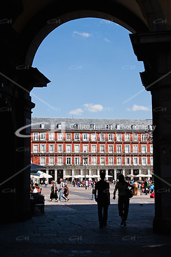 street scenes in plaza mayor in madrid, spain (Christopher Holt LTD London UK/Image by Christopher Holt - www.christopherholt.com)