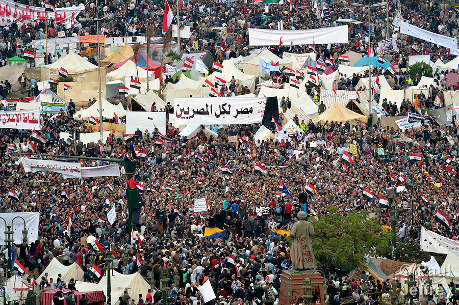 Cairo's Tahrir Square fills with hundreds of thousands of people on November 27, 2012. They gathered to protest the expansion of executive powers by Egyptian President Mohamed Morsi.