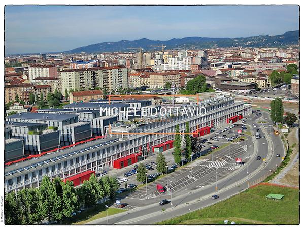 Torino spina 3 SNOS GALLERY CENTRE Centro Commerciale in Corso Mortara, 24, lo stabilimento della Ex Savigliano trasformato in centro commerciale e uffici. (Michele D'Ottavio/Miichele D'Ottavio)