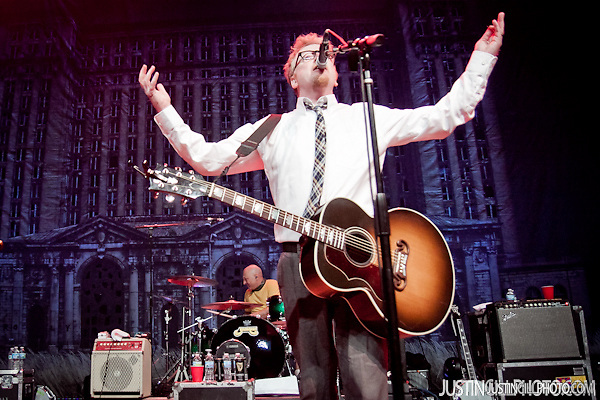 Flogging Molly concert live @ Congress Theater Chicago (Justin Gill)