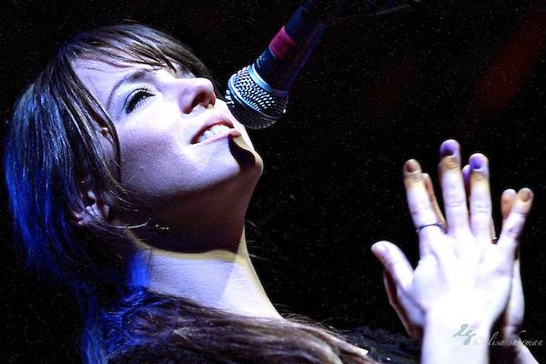 Laura Jansen performs opening set for Joshua Radin at the Showbox Market in Seattle, 3-9-2011 (Elisa Sherman)