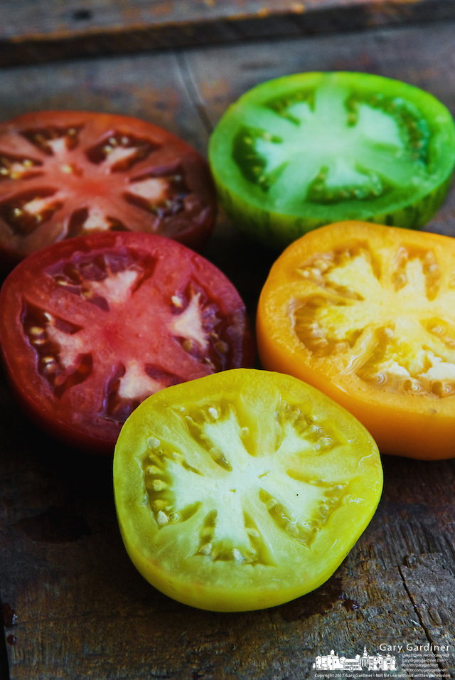 Organic heirloom tomatoes (Gary Gardiner/SmallTown Stock)