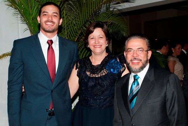 Juan Moreno Fernández, Aura Celeste Fernández y Guillermo Moreno