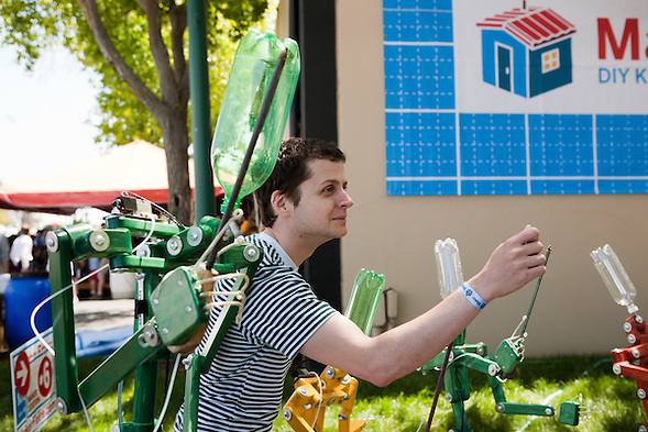 Dan strikes a pose at Maker Faire 2012. (Sha Sha Chu)