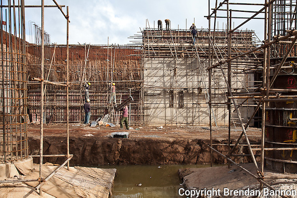 Construction on the Nairobi to Thika road. (Photographer: Brendan Bannon)
