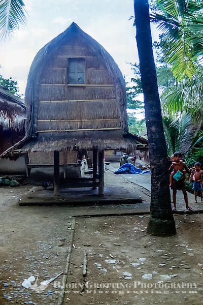 Nusa Tenggara, Lombok, Sade. Lumbung. A storage for rice and other food, called lumbung. Sade village (Bjorn Grotting)