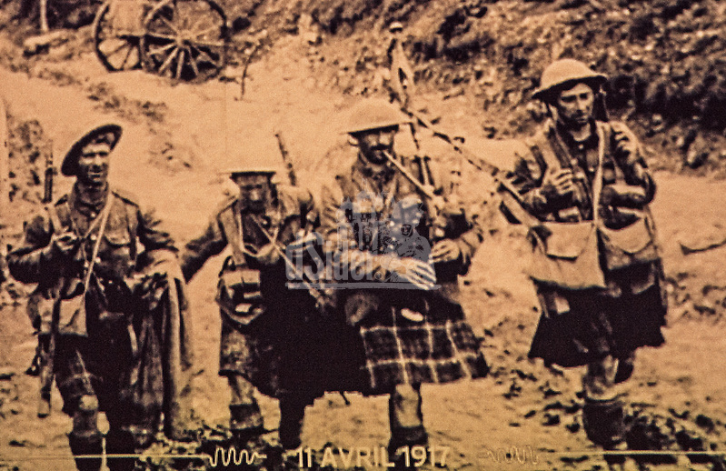 Scottish soldiers at Battle of Arras 9th April 1917 led by a piper (Bill Bagshaw/M. Williams)