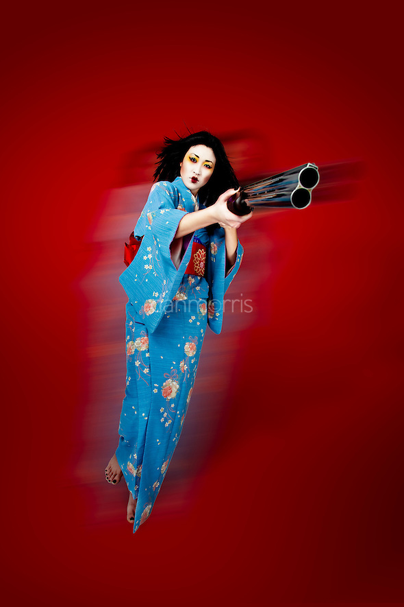 200901648 touched Geisha and a Gun