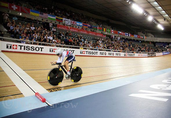 07 DEC 2014 - STRATFORD, LONDON, GBR - Laura Trott (GBR) of Great Britain racing in the Omnium 500m Time Trial round during the 2014 UCI Track Cycling World Cup at the Lee Valley Velo Park in Stratford, London, Great Britain (PHOTO COPYRIGHT © 2014 NIGEL FARROW, ALL RIGHTS RESERVED) (NIGEL FARROW/COPYRIGHT © 2014 NIGEL FARROW : www.nigelfarrow.com)