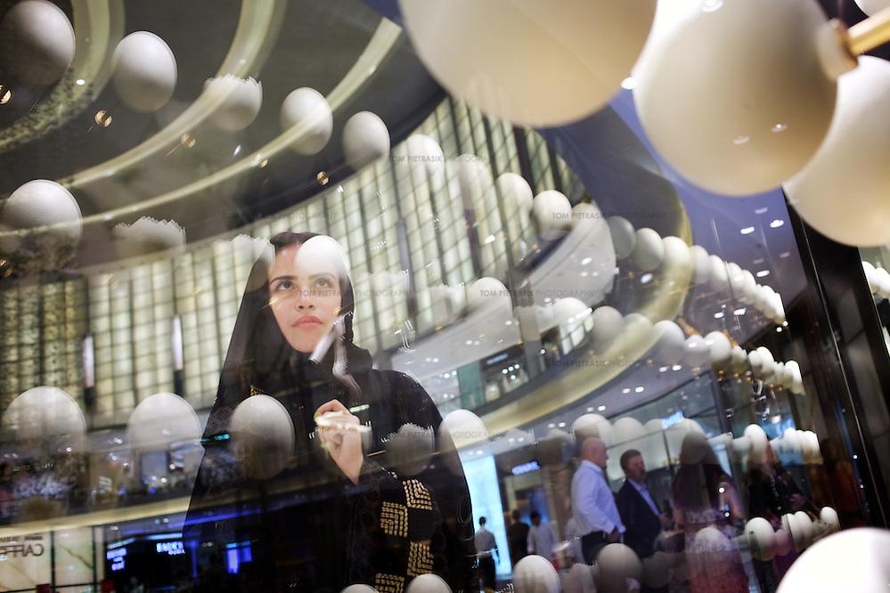 Shopping in the Dubai Mall...Dubai, UAE. 2011.Photo: Tom Pietrasik (©Tom Pietrasik)