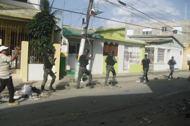 La gente reclama justicia en caso de los cinco asesinatos en Salcedo