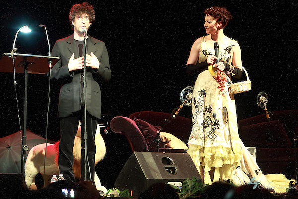 "Neil Gaiman abd Amanda Palmer perform on November 9th, 2011 during the ""An Evening with Neil Gaiman & Amanda Palmer""  at the Moore Theatre. (Elisa Sherman)"