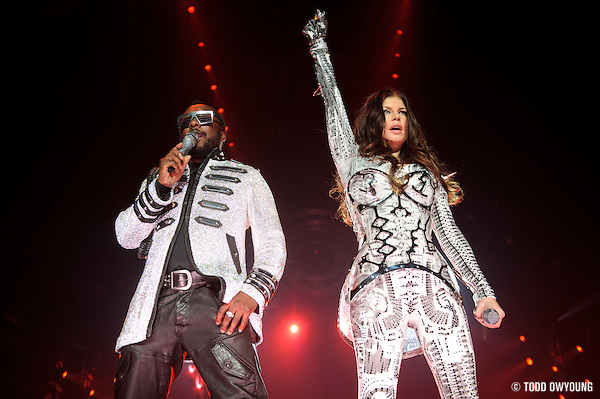 Photos hip hop group Black Eyed Peas performing at the Scottrade Center in St. Louis on August 14, 2010. (Todd Owyoung)
