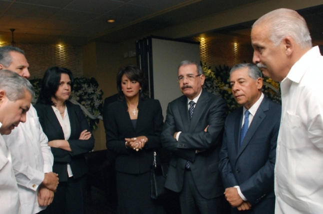 Presidente y primera dama expresan condolencias a familia Fernández Mirabal