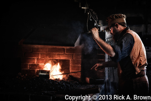USA, Washington, Fort Vancouver National Historic Site, blacksmith demonstration. (Rick A. Brown)