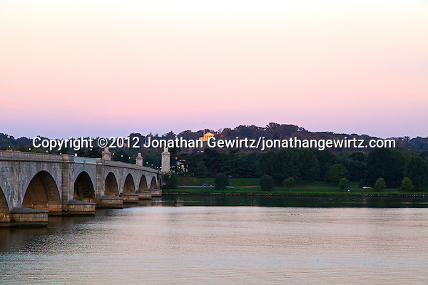 An early morning view of Arlington Memorial Bridge and the Robert E. Lee Memorial, also known as Arlington House, from the Washington side of the Potomac River. (© 2012 Jonathan Gewirtz / jonathan@gewirtz.net)