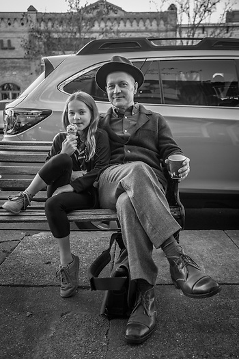 Boston residents Keith and his daughter, Ruby, during a visit to Calistoga. (© Clark James Mishler)