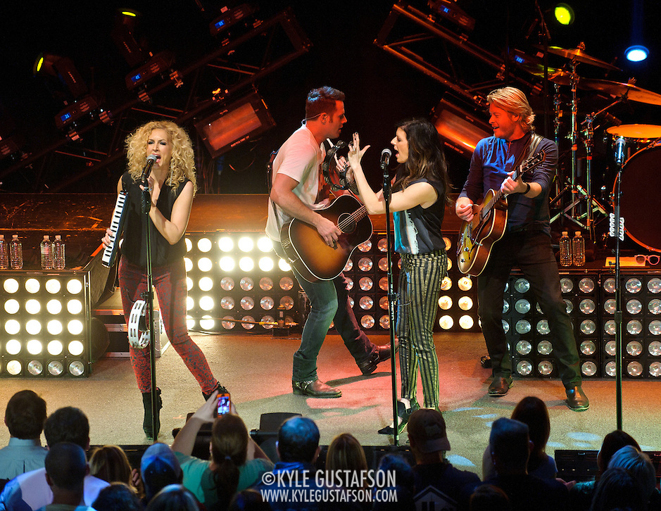 "WASHINGTON, DC - February 14th  2013 - Kimberly Schlapman, Jimi Westbrook, Karen Fairchild and Phillip Sweet of Little Big Town perform at the 9:30 Club in Washington, D.C. The band's 2012 album, ""Tornado,"" contains the hit single ""Pontoon,"" which recently won Best Country Duo/Group Performance at the 55th Grammy Awards. (Photo by Kyle Gustafson/For The Washington Post) (Kyle Gustafson/For The Washington Post)"