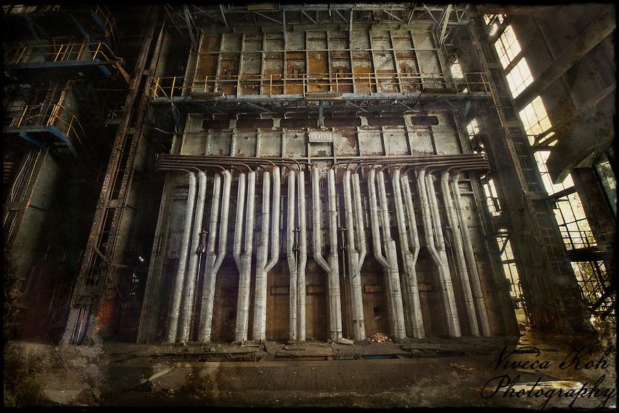 Abandoned Belgian powerstation (Viveca Koh)