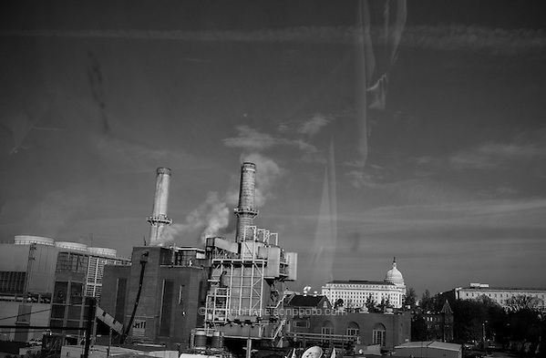 A coal burning power plant in Washington, DC. (John Nelson/photo by www.johnnelsonphoto.com)