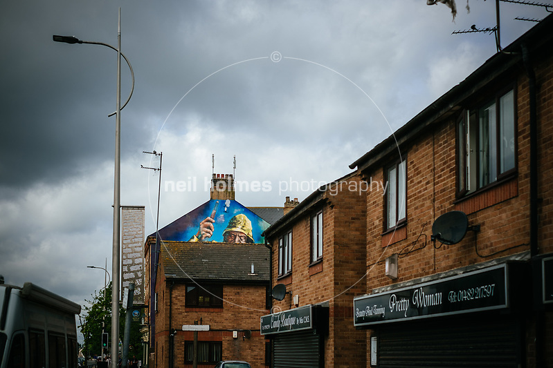 Hessle Road, Kingston Upon Hull, East Yorkshire, United Kingdom, 21 May, 2017. Pictured: Hessle Road Fishing Mural on the side of The Halfway public house (Neil Holmes)