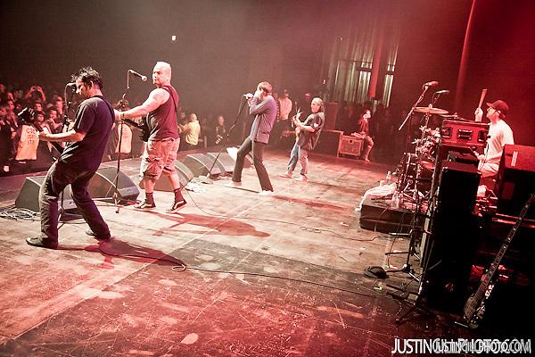 Dickies Concert Santa Monica Civic Auditorium Los Angeles (Justin Gill)