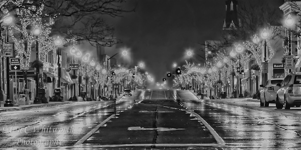 Looking across Lakeshore in downtown Oakville at night in B&W. (Ian C Whitworth)