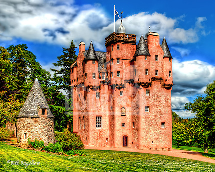 Craigievar Castle; a fine example of a Scottish fortification. Family portraits, Jacobeam timber features and original plaster ceilings can be viewed. inside. dsider.co.uk online magazine, photo courses, Photography courses by Bill Bagshaw (Bill Bagshaw & Martin Williams/Bill Bagshaw, www.dsider.co.uk)