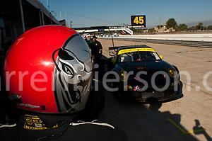 #045 Flying Lizard Motorsports Porsche 997 GT3 RSR: Patrick Long, Jorg Bergmeister (Darren Pierson)