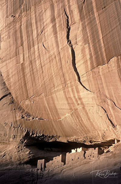 Afternoon light on White House Ruin in Canyon de Chelly, Canyon de Chelly National Monument, Arizona USA (Russ Bishop/Russ Bishop Photography)
