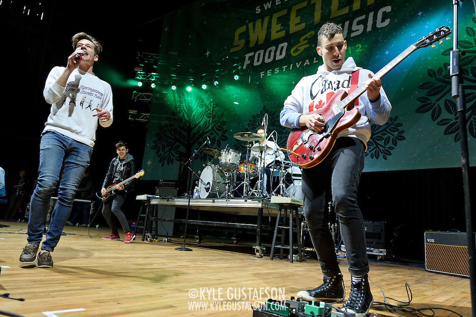 "COLUMBIA, MD - April 28th, 2012 -  Nate Ruess and Jack Antonoff of fun. perform at the 2012  Sweetlife Food and Music Festival  at Merriweather Post Pavilion in Columbia, MD. The band's hit ""We Are Young"" recently reached number one on the U.S. Billboard Hot 100 and Digital Songs charts. (Photo by Kyle Gustafson/For The Washington Post) (Kyle Gustafson/FTWP)"