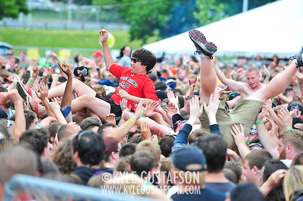 Crowd_Surfing-6049.jpg