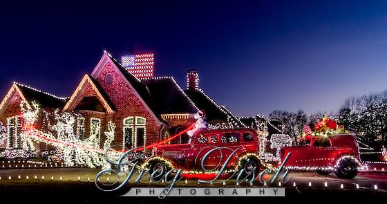 Hot Rod Santa sleigh taken at a private home in Van Buren Arkansas. (Greg Disch  gdisch@gregdisch.com)