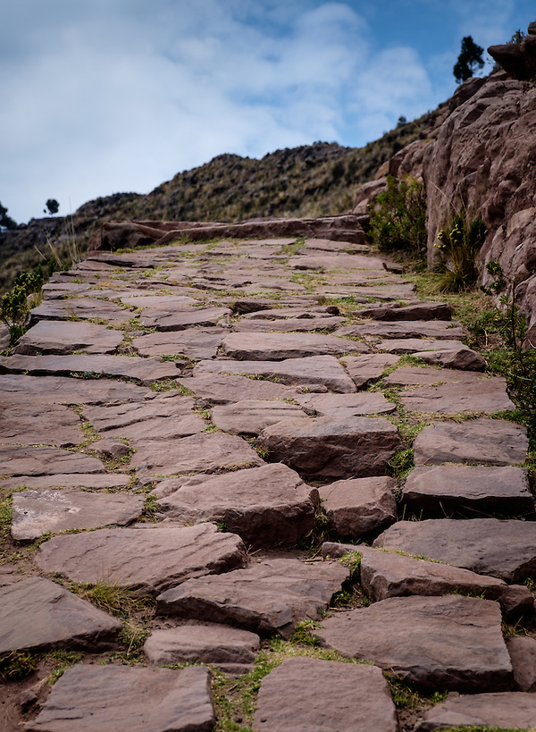 TAQUILE, PERU - CIRCA OCTOBER 2015: Path in the Island of Taquile in Lake Titicaca. (Daniel Korzeniewski)