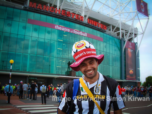 Juventus fan, 2003 UEFA Champions League Final, Old Trafford, Manchester United FC - Photo by Simon Kirwan