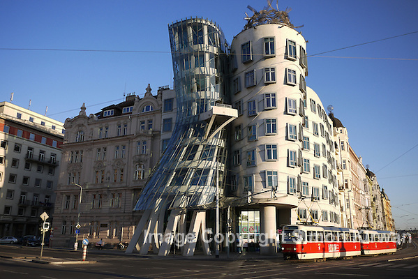 Fred & Ginger The Dancing House Prague by Frank Gehry - photo by Simon Kirwan