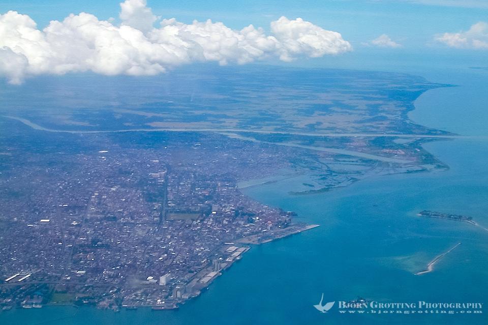 Indonesia, Sulawesi, Makassar. Makassar seen from airplane. (Photo Bjorn Grotting)